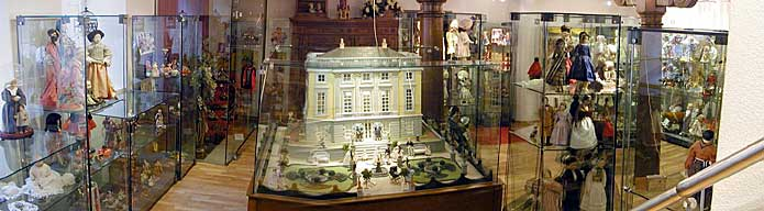 Dolls and Toys Museum
